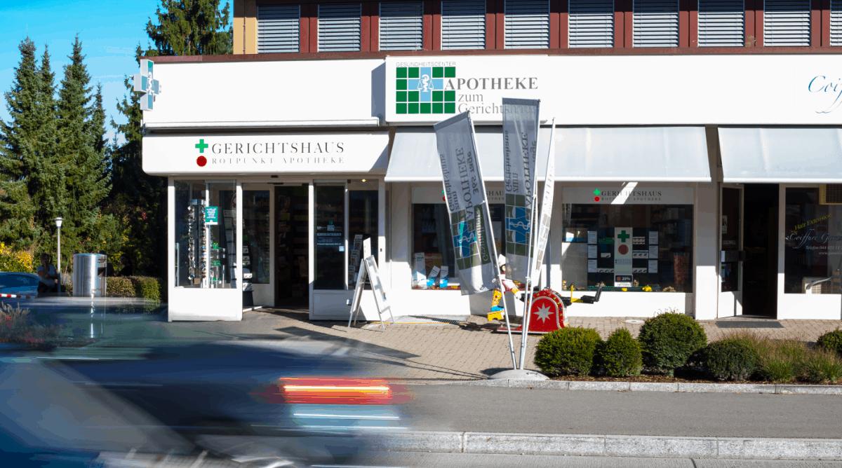 Aussenansicht Apotheke zum Gerichtshaus Dielsdorf